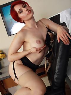 Pantyhose Redhead Pics