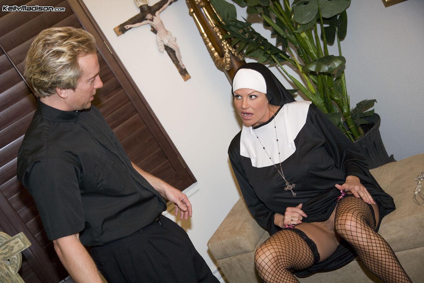 Секс развлечения в монастырях, Монашки:видео. Бесплатное порно HQ Hole 3 фотография